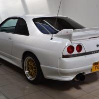 Nissan nissan r33
